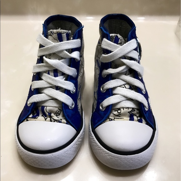 off Moschino Other Auth Moschino signature sneakers