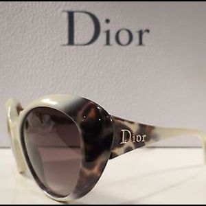✨HP✨💋Dior Panther 2 Sunglasses