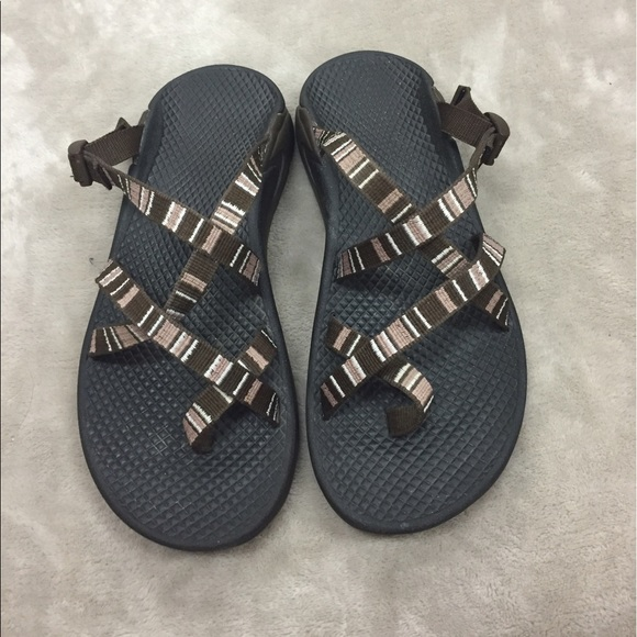 ee1bbfab1b67 Chaco Shoes - Women s Chacos Size 6