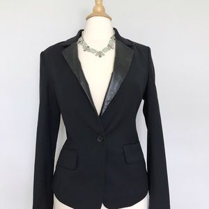 | J o i e |  Leather lapel black blazer