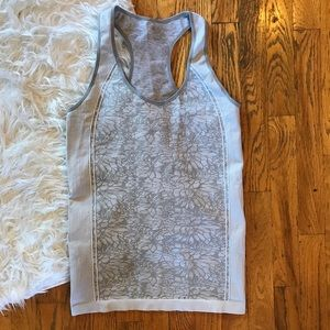 Fabletics grey floral tank! Perfect condition!