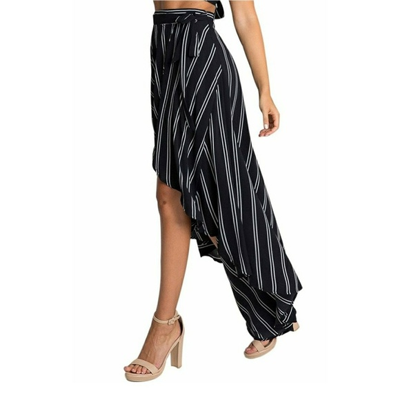 Black Mid-length Skirts. Clothing & Shoes / Women's Clothing / Skirts / Mid-length Skirts. of Results. Women's High Waist Red/ Black Pencil Skirts (Pack of 2) SALE ends soon ends in 22 hours. White Mark Women's Tasmin Flared Midi Skirt. 14 Reviews.