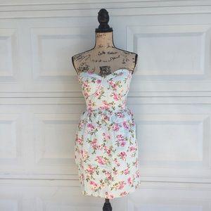 Dresses & Skirts - Tube floral dress L