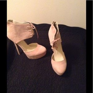 Shoes - Light pink heels