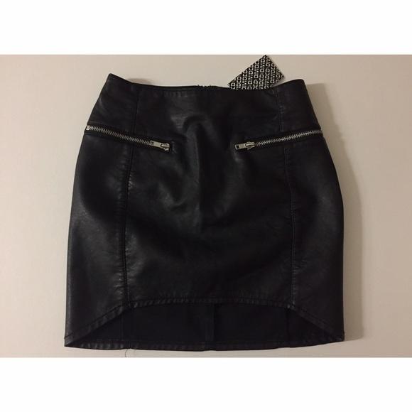 6e6f9ec8f0 H&M Skirts | Hm Black Faux Leather Zip Detailing Mini Skirt | Poshmark