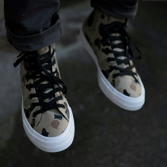 c3c82867d69615 NWT Converse Chuck II Reflective Desert Camo Shoe