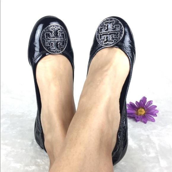 01c53ba1a4ad5 Tory Burch Reva Flats Black Glitter Logo. M 595c72042fd0b7575f126cef