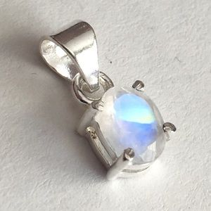 Jewelry - 925 Sterling Silver Moonstone Pendant