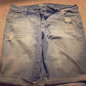 👙Old Navy Sweetheart distressed Bermuda shorts