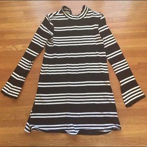 Zara tunic black and white long sleeved xs