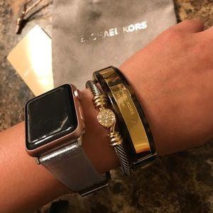 Michael Kors Jewelry - 📣SALE📣 Michael Kors Bracelet