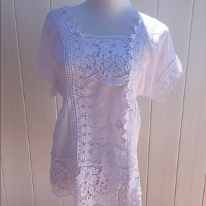 Colleen Lopez white lace blouse. Size XS Like new