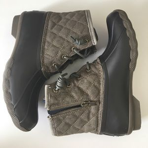 Sperry quilted boots 6
