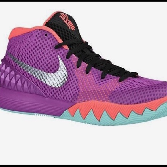 separation shoes 90395 a90a0 WOMEN'S KYRIE IRVING 1's