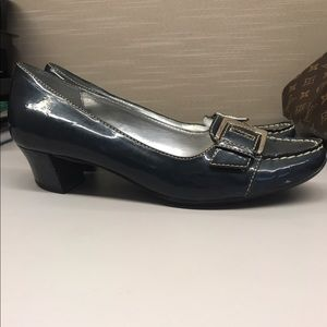 Naturalizer heeled Loafers 8.5