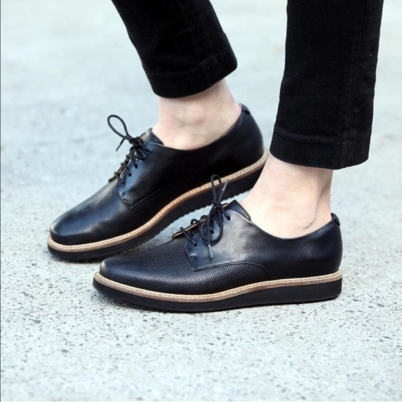 Clarks Glick Darby Ladies Black Shoes