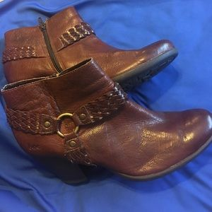 Shoes - booties Size 91/2