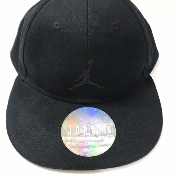8175ff6e1 get jordan hat and gloves set b0475 d8c3f