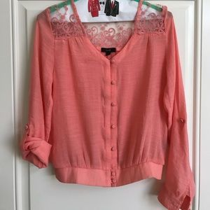 Tops - Lace top button crop top