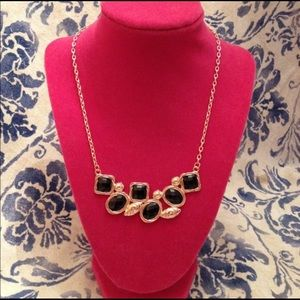 Jewelry - Black & Gold Bold Stone Statement Necklace