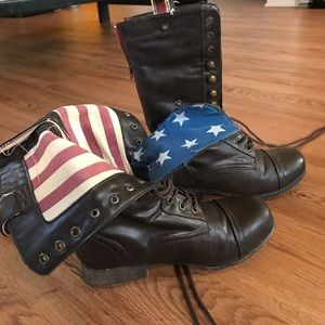 Shoes - Lace up combat boots