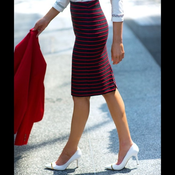351b0f17f0 Ann Taylor Dresses & Skirts - ⭐️FINAL PRICE⭐️Ann Taylor Red Rope Pencil  Skirt