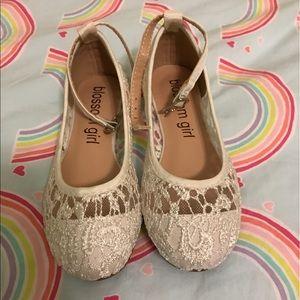 586406f23 David's Bridal Shoes - NWT Flower Girl Crochet Lace Ballet Flats Size 9