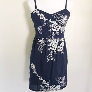 J. Crew navy blue and white embroidered dress ✨