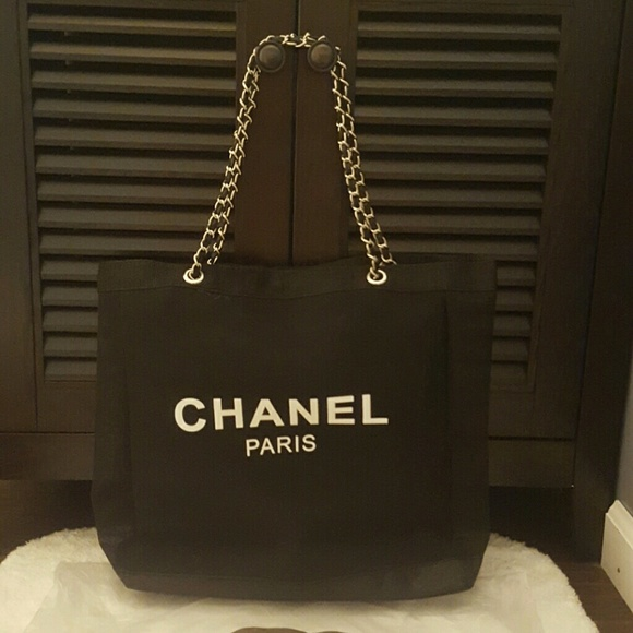 06d8df5cbd52 CHANEL Bags | Authentic Vip Gift Mesh Tote | Poshmark