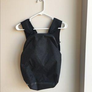 Lululemon Surge Run Reflective Backpack