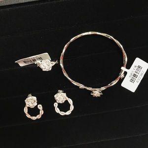 Jewelry - Fashionable jewelry set