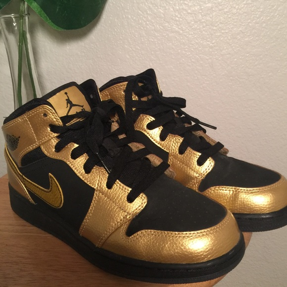 "super popular 2bf18 767ef Air Jordan Shoes - Air Jordan 1 Mid Girls ""Metallic Gold"" Nike"