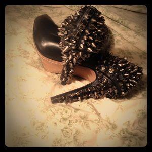 Sexy black studded pumps! By Sam Edelman