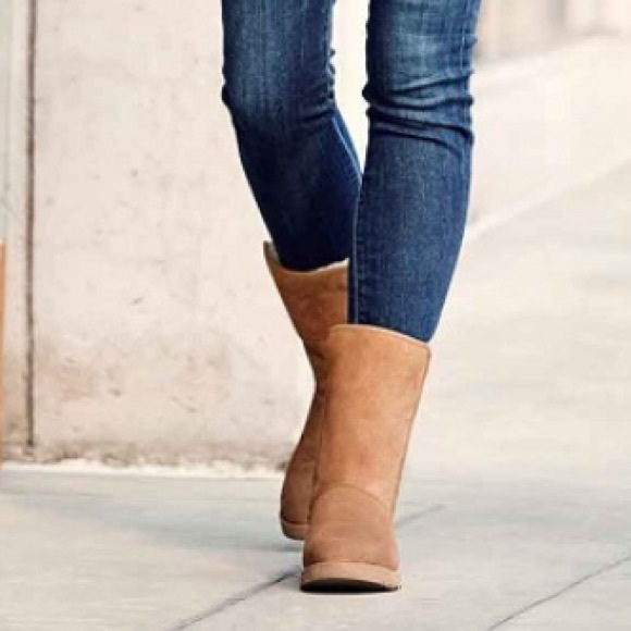 4492e81d8a1 NEW UGG MICHELLE. CHESTNUT NWT
