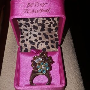 Betsey Johnson Cluster Stretch Ring