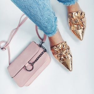 HP✨Aurora Rose Gold Metallic Bow Pointy Toe Slides