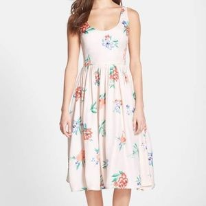 BB Dakota Heleen Floral Print Midi Dress