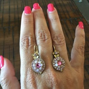 Jewelry - Colorful pink and rose tone earrings