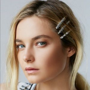 Free People Accessories - Free People Arrow Head 6 bobby pin set SILVER