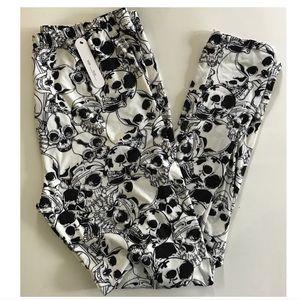 Pants - (Plus) Skull print leggings