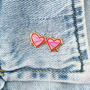 NWT {UO} Heart Shaped Glasses Pin
