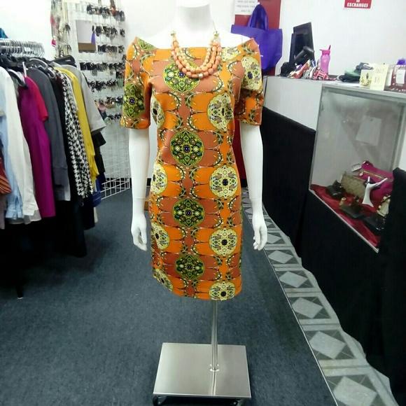 Deja Vous Dresses & Skirts - NWT Orange Floral Off-Shoulder Dress
