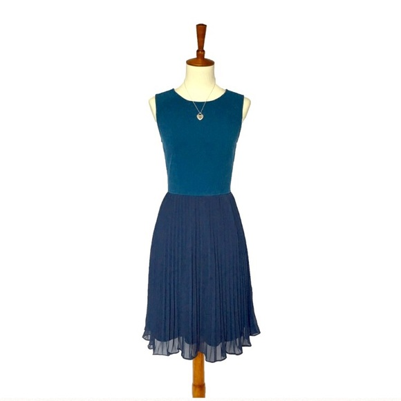 ModCloth Dresses & Skirts - Pleated Dress