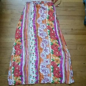 Vintage Adorable Flower Maxi Skirt! Size S