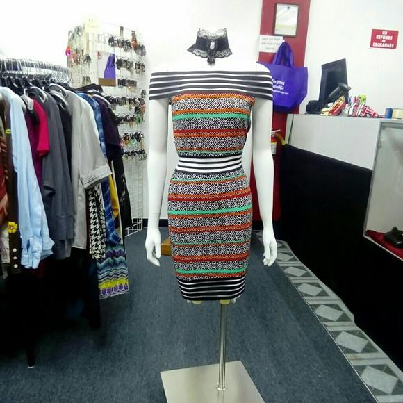 Deja Vous Dresses & Skirts - NWT Print Strapless Dress