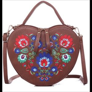 🆕HP🎉Heart Shaped Embroidered Bag Vegan Leather