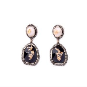 Jewelry - Gold flake statement earrings