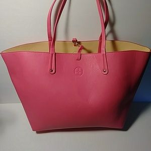 Handbags - Stunning hit pink tote bag!