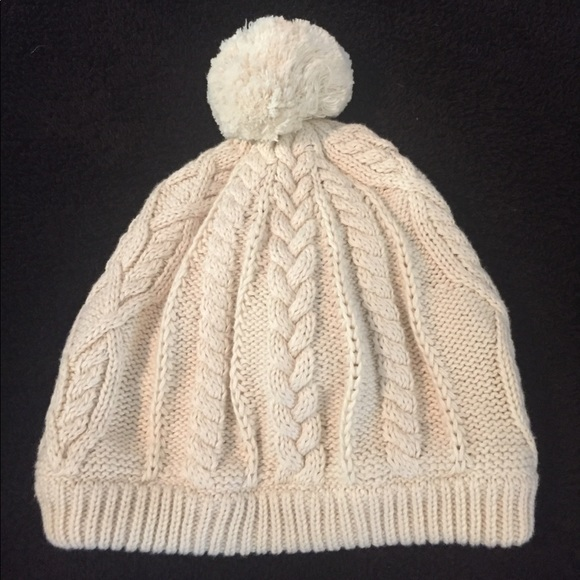 Baby Gap cream cable pompom hat 8a92ac798483