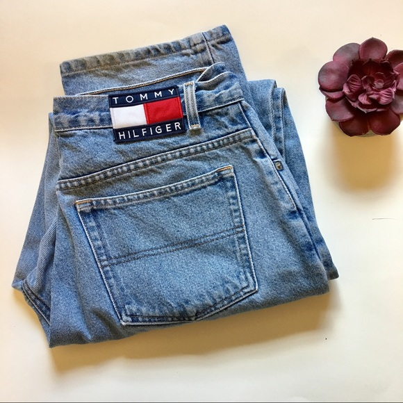 5c2cca97b 90s Tommy Hilfiger Light Wash Dad Jeans Size 32. M_595ebd0b713fdebba3003eac